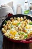 Potatispölsa med skinka och ägg arkivbilder