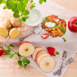Potato pancakes with apfel and strawberry Stock Images