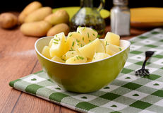 Potato salad in the bowl Royalty Free Stock Photos