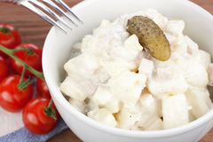 Potato salad. In a bowl with tomatoes Royalty Free Stock Images