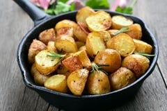 Potatoes fried in pan Royalty Free Stock Photos