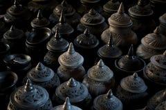Pote de arcilla tailandés de la escultura del estilo Foto de archivo libre de regalías