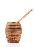Pote de madera de la miel con el cazo Foto de archivo libre de regalías