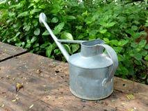 Pote de riego de la lata Fotografía de archivo