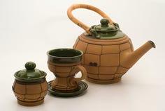 Pote del té, taza y cuenco de azúcar Fotos de archivo libres de regalías