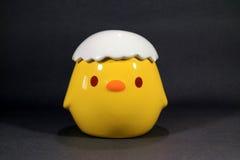 Pote lindo de Chick Vibrant Yellow Ceramic Sugar imagenes de archivo