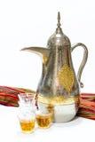 Pote y vidrios árabes del café Imágenes de archivo libres de regalías
