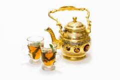 Pote y vidrios árabes del café Fotografía de archivo