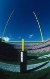 Poteau de but de champ de NFL photographie stock libre de droits