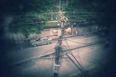 Poteau de puissance sur Hai Phong Viet Nam faisant le coin Image stock