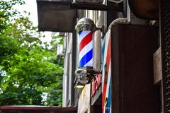 Poteau de salon de coiffure de cru, salon de coiffure classique images stock