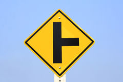 Poteau de signalisation de carrefour image libre de droits