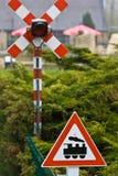 Poteau de signalisation de croisement de train Image stock