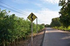 Poteau de signalisation et route Image libre de droits