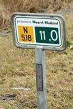 Poteau de signalisation hollandais avec le numéro de route Photos stock