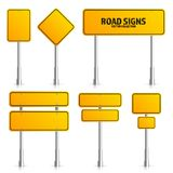 Poteau de signalisation jaune de route Conseil vide avec l'endroit pour le texte Maquette D'isolement sur le signe blanc de l'inf Images libres de droits