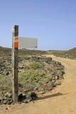 Poteau de signe blanc - insérez votre texte Photographie stock libre de droits