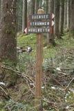 Poteau de signe en bois photographie stock