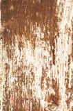 Poteau en bois avec la peinture d'épluchage photos libres de droits