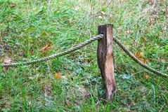 Poteau en bois relié Images libres de droits