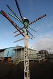 Poteau indicateur de distance dans la brouette, Alaska Photos libres de droits