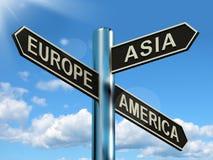 Poteau indicateur de l'Europe Asie Amérique illustration de vecteur