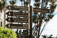 Poteau indicateur de touristes à Malaga photographie stock libre de droits