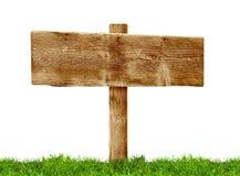 Poteau indicateur en bois Photographie stock