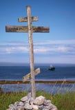 Poteau indicateur en bois sur la côte Photographie stock