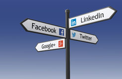 Poteau indicateur social de réseau Photographie stock