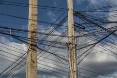 Poteaux électriques dans la rue du Cambodge Images stock