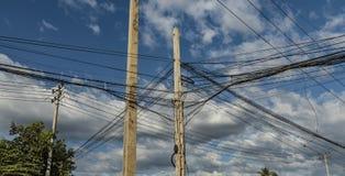 Poteaux électriques dans la rue du Cambodge Image stock