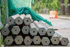 Poteaux concrets hexagonaux Photo stock
