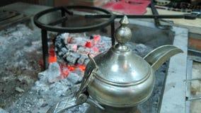 Potenciômetro árabe do café foto de stock