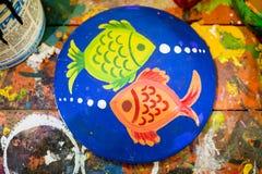potenciômetro de dois fish_Wall para as festividades de anos novos de Bangla Fotos de Stock Royalty Free