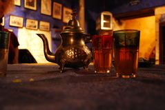 Potenciômetro oriental do chá fotografia de stock