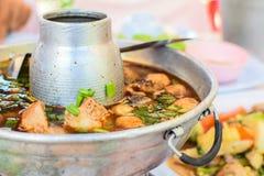 Potenciômetro quente quente e picante do reforço de carne de porco Imagem de Stock