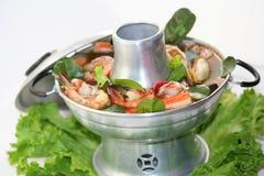 Potenciômetro quente tailandês de Tom Yum imagem de stock