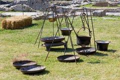 Potenciômetros antigos em um acampamento gálico em um Reenactment Fotografia de Stock