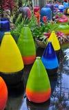 Potenciômetros coloridos do Terracotta fotografia de stock