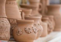 Potenciômetros da arte da argila imagens de stock royalty free