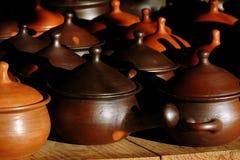 Potenciômetros da cerâmica de Brown Fotografia de Stock