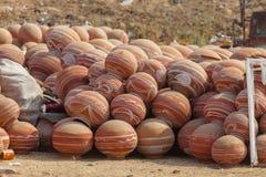 Potenciômetros de argila na cultura indiana imagens de stock royalty free