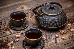 Potenciômetro asiático do chá do ferro Fotografia de Stock