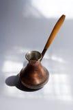 Potenciômetro de cobre do café turco Foto de Stock Royalty Free