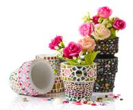 Potenciômetro de Rosa e de flor do mosaico Imagens de Stock