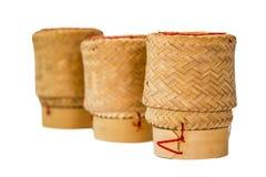 Potenciômetro do arroz pegajoso isolado foto de stock royalty free