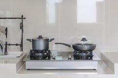 Potenciômetro inoxidável no fogão de gás Foto de Stock