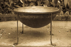 Potenciômetro muito grande do ferro fundido Fotografia de Stock