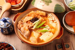 Potenciômetro quente de Kimchi imagem de stock royalty free